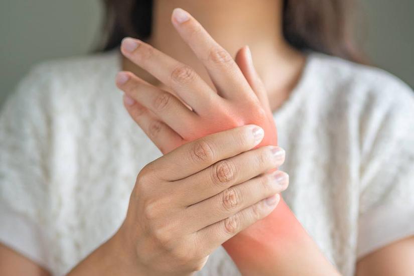 bratul umflat cu artrita