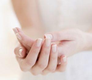 ce este artrita maini