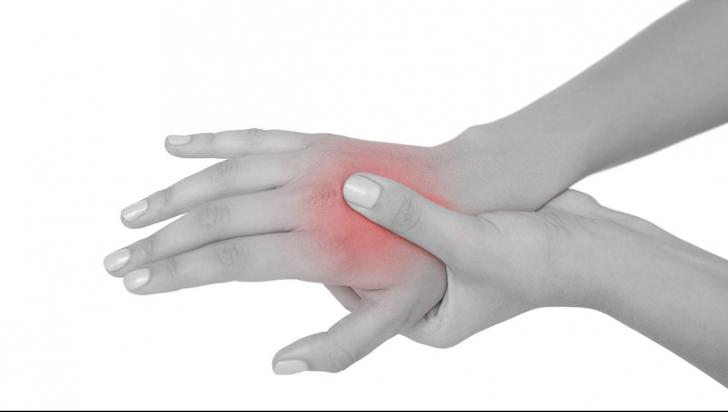 ruperea tratamentului articulației umărului toporului