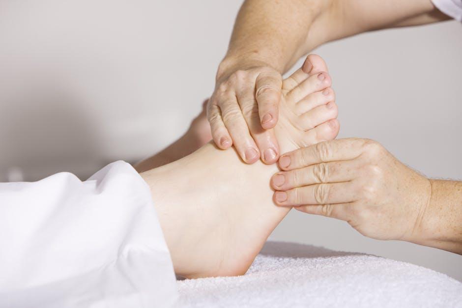 Poliartrita reumatoida, Umflarea pielii din jurul articulației