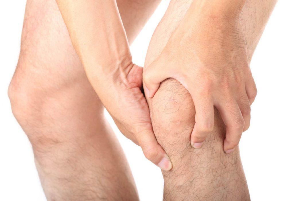 artrita bandajului genunchiului smulgând articulațiile și picioarele dureroase