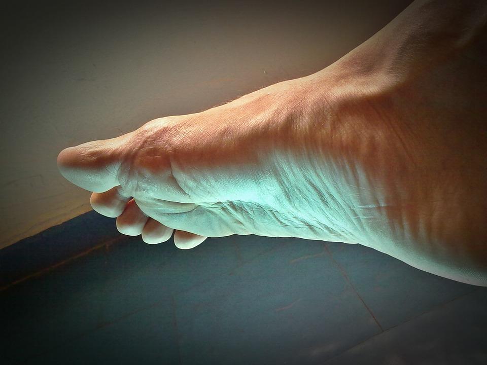 toate articulațiile de pe coturi doare dureri ascuțite în articulația gleznei
