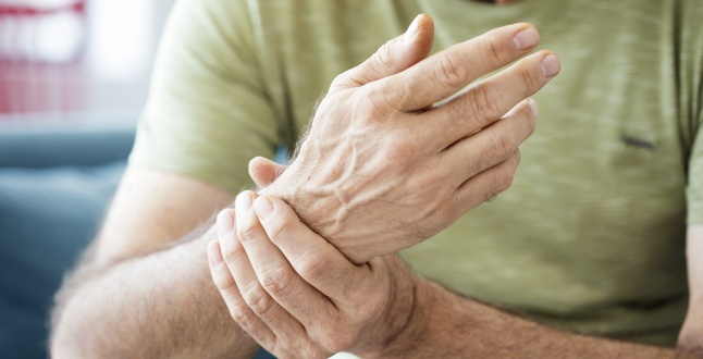 Deoarece poate fi tratată artrita reumatoidă Tratament