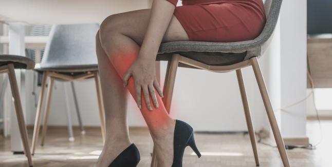 Dureri palpitante la nivelul articulațiilor brațelor și picioarelor