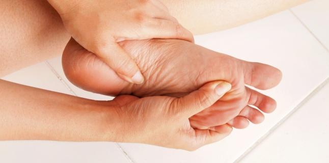 durere articulară a dimexidului degetului mare clima bolilor articulare