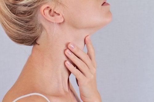 dureri articulare cu tiroida dureri de cot după accident vascular cerebral