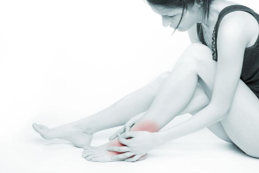 inflamația umflăturii gleznei care sunt durerile în articulația umărului