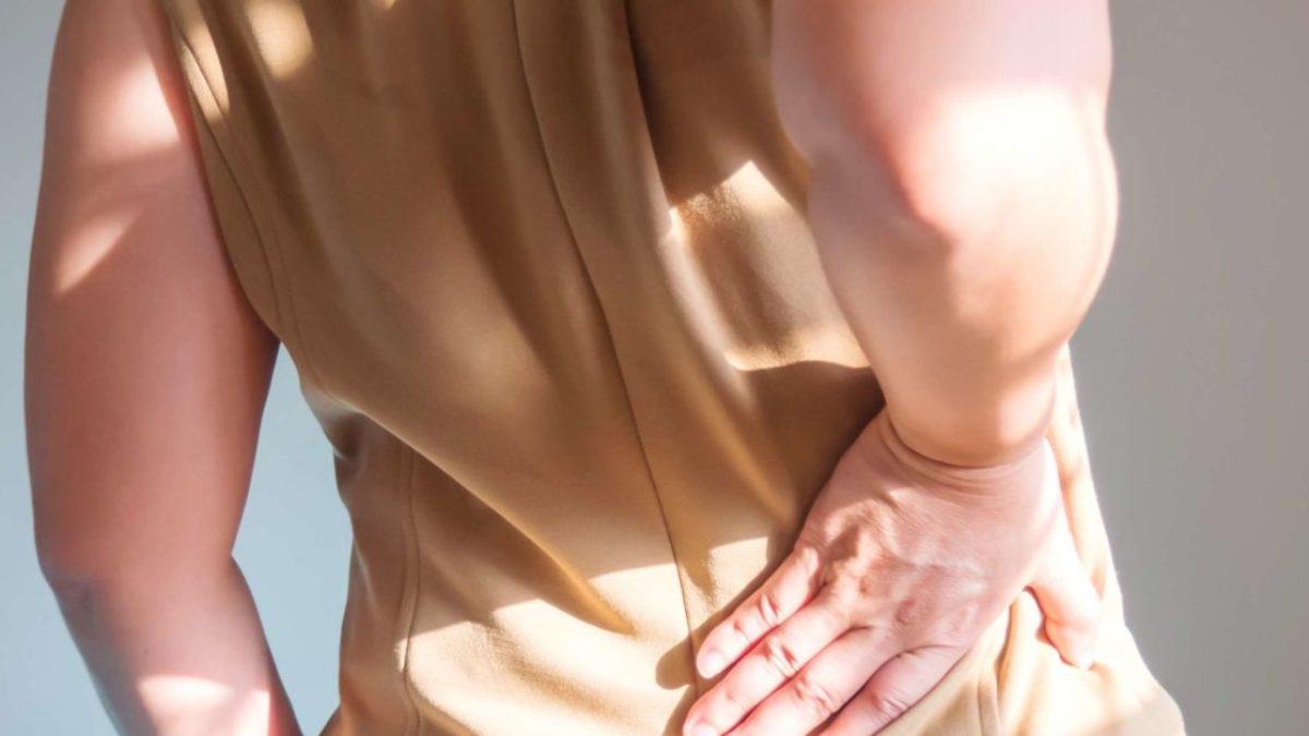dureri în spate și dă articulației șoldului bursita articulației cotului medicament